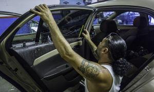 Преимущества и недостатки бронирования стекол авто